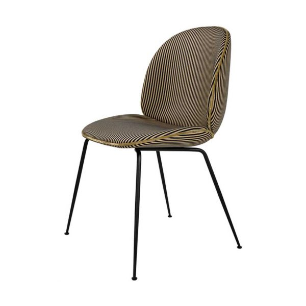 gubi-beetle-stoel-nya-textiles-rio-bravo-colour-28-camel-zwart-frame-zwart_1__1